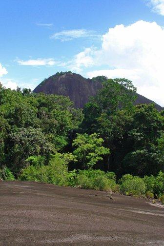Voltzberg Suriname blog