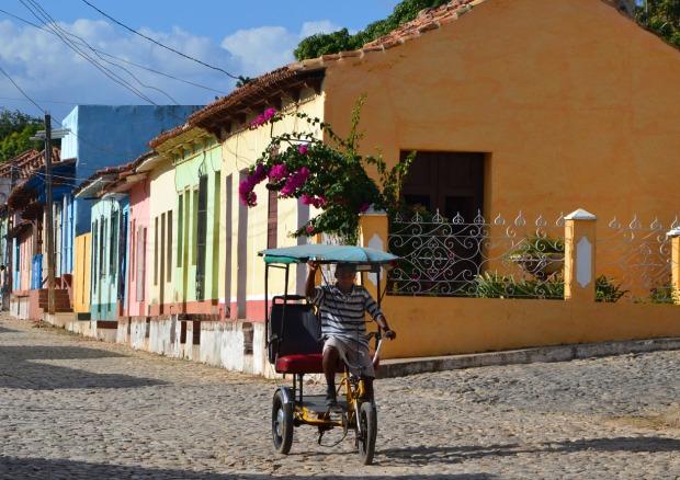 colors trinidad travel cuba