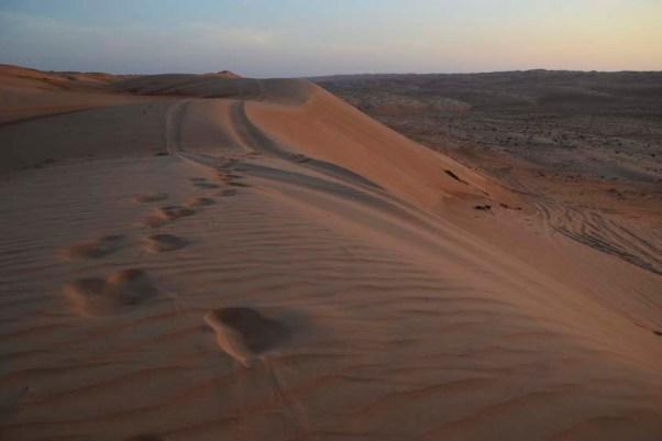 sharqiya sands sunset oman