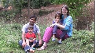 Ilse met haar gezin in Nepal