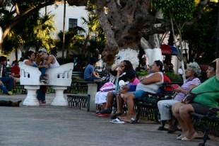 Op het centrale plein van Merida komt de lokale bevolking s avonds graag zitten Mexico