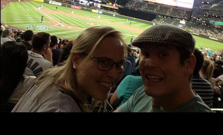Sean en Noortje bij een honkbalwedstrijd in Seattle