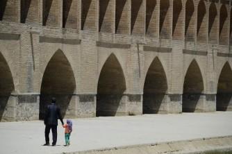 Bezienswaardigheid historische brug van Esfahan Iran
