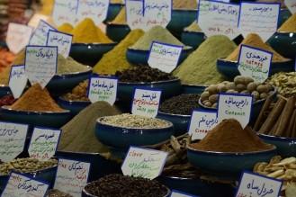Kruiden op de bazaar Shiraz, Iran