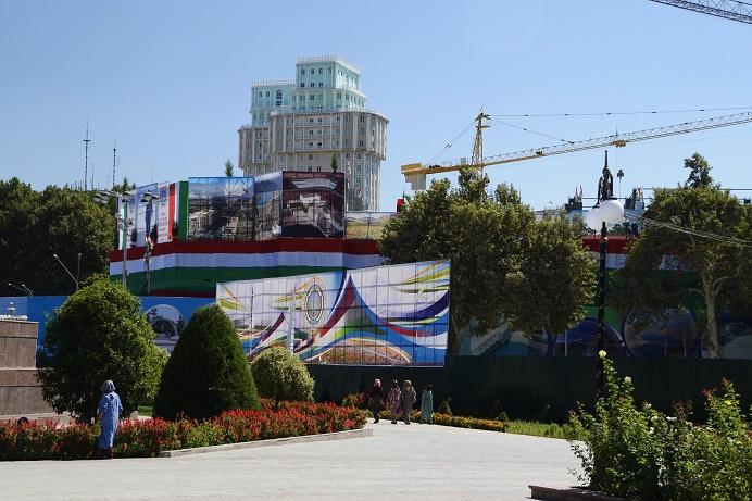 dushanbe-building-spree-tajikistan-travel