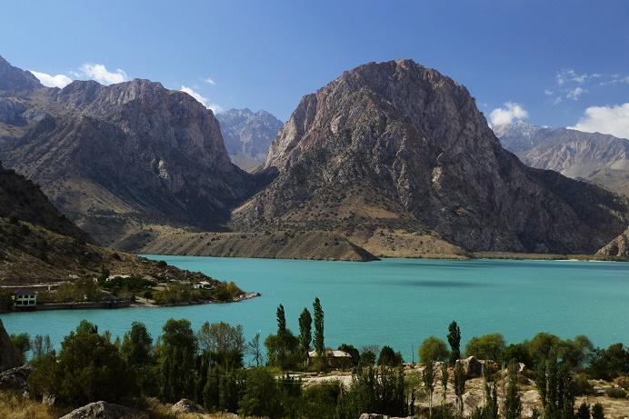 iskanderkul-tajikistan-travel