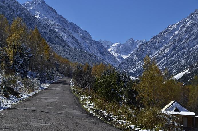 ala-archa-toegangsweg-kirgizie