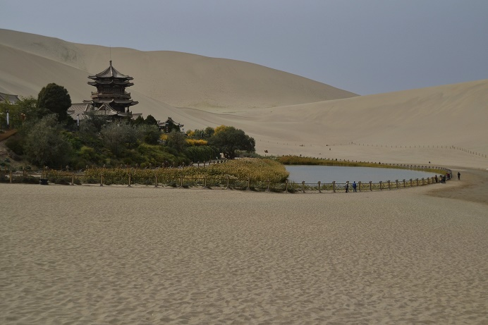 crescent-moon-lake-dunhuang-china