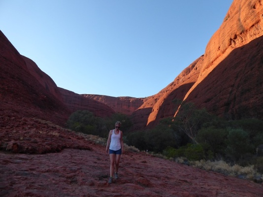 hiking-kata-tjuta-australie