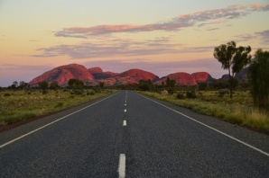 kata-tjuta-national-park-australie-sunrise